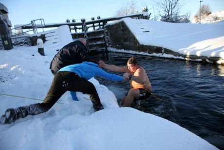 Another pic from the 2010 Cabhair 'Big Freeze' swim in Inchicore, Dublin on Christmas Day that year!