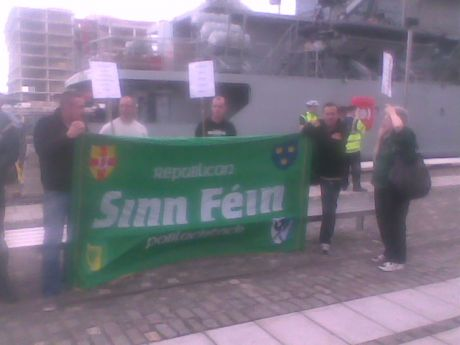Republicans picket HMS Mersey in Dublin , Wed 19-08-09.