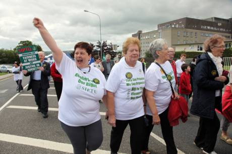 img_9873thousands_march_to_defend_health_services_in_donegal.jpg