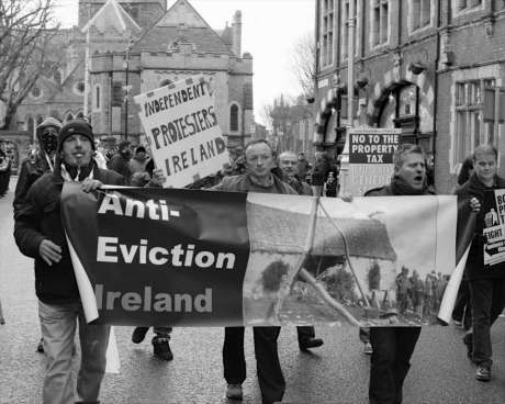 garda_harass_anti_eviction_taskforce_wsm_photo3_feb09_2013.jpg