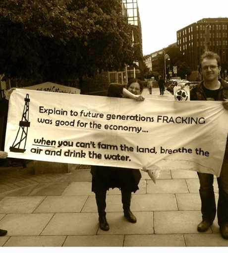 anti_fracking_banner_oil_gas_conf_dublin_june_2014.jpg