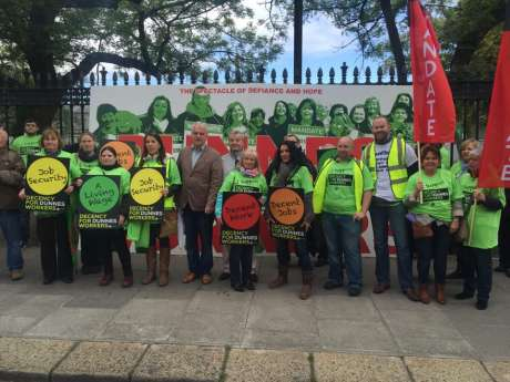 dunnes_workers_march_pic3_june06_2015.jpg