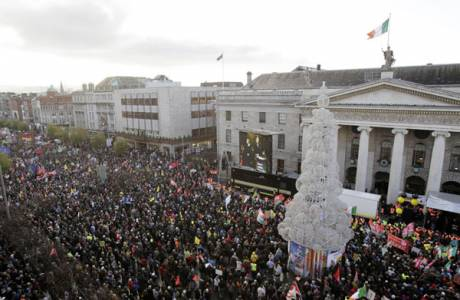 50-100,000 take to the streets in Dublin